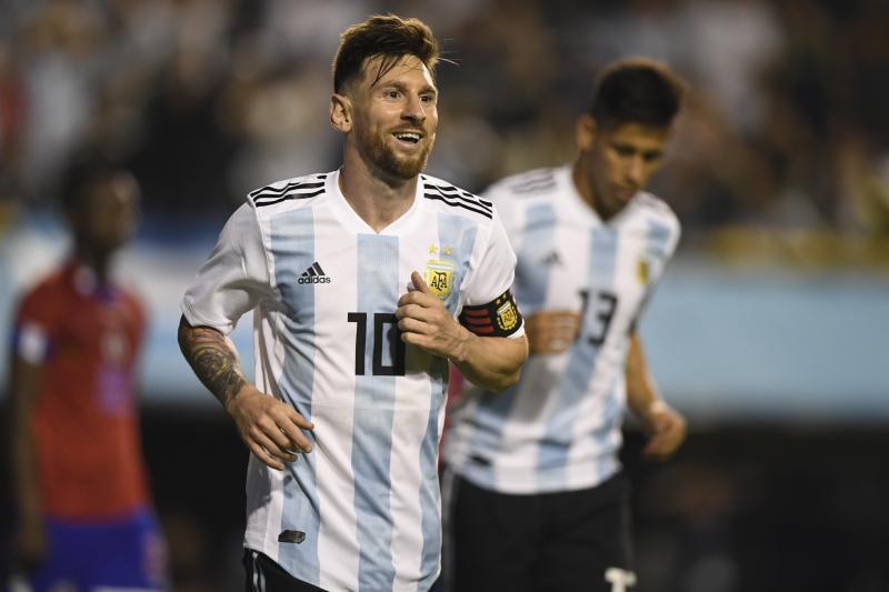 Messi toả sáng giúp Argentina huỷ diệt Haiti