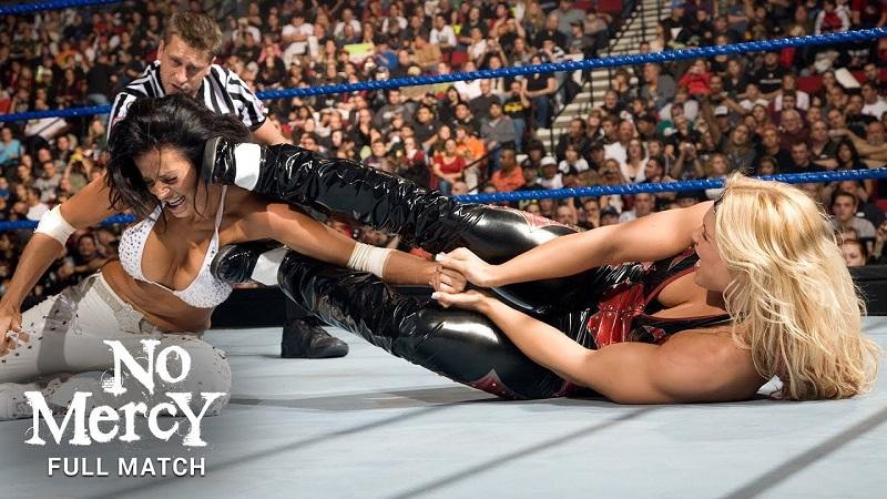 Beth Phoenix đối đầu Candice - Vòng loại WWE No Mercy 2008