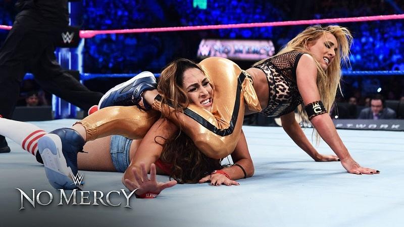 Đại chiến nữ đô vật: Nikki Bella quyế chiến Carmella tại No Mercy 2016