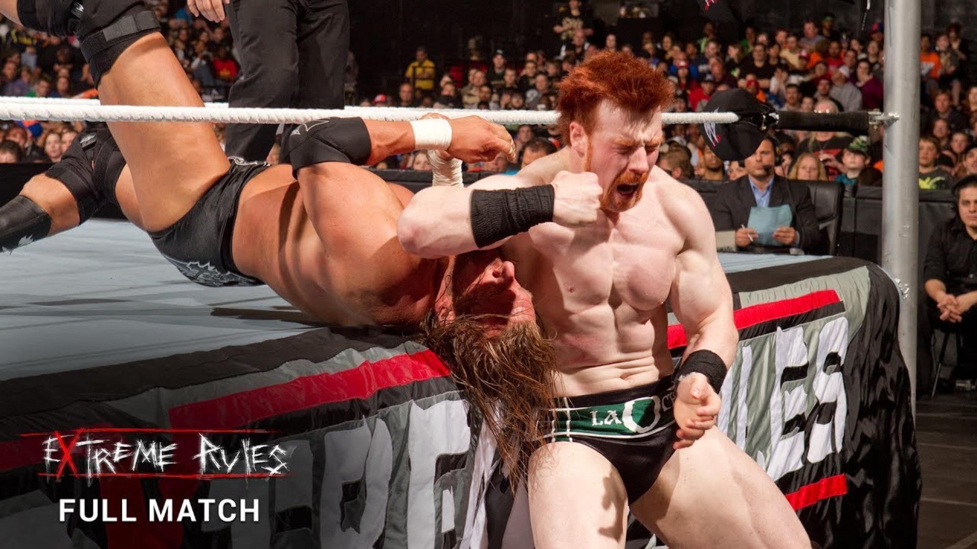 WWE Extreme Rules 2010: Triple H đại chiến đường phố Sheamus